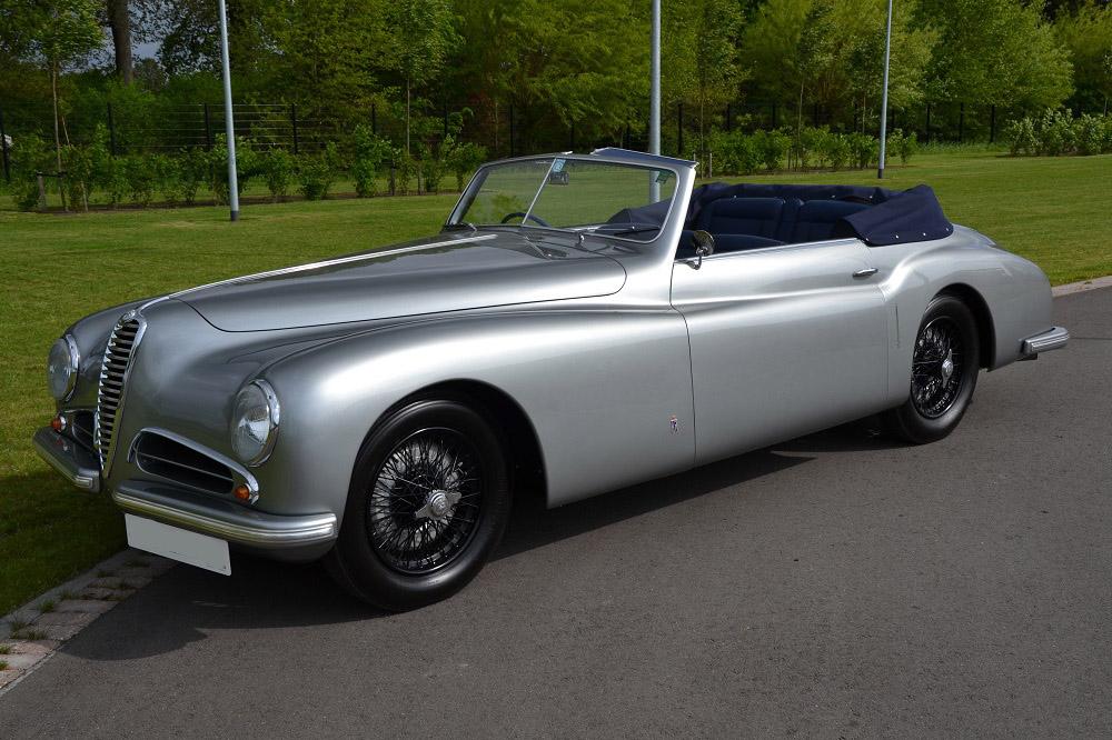 La 6C 2300 venne poi sostituita dalla Alfa Romeo 6C 2500, ultima vettura della serie prodotta dalla casa di Arese prima della seconda guerra mondiale e ripresa nel primo dopoguerra fino al 1950 in circa 2.800 esemplari.