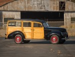 Ford V8 DeLuxe Station Wagon - 1939