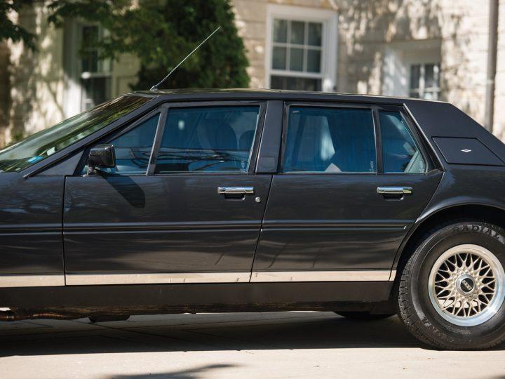 Aston Martin Lagonda Series III - 1985