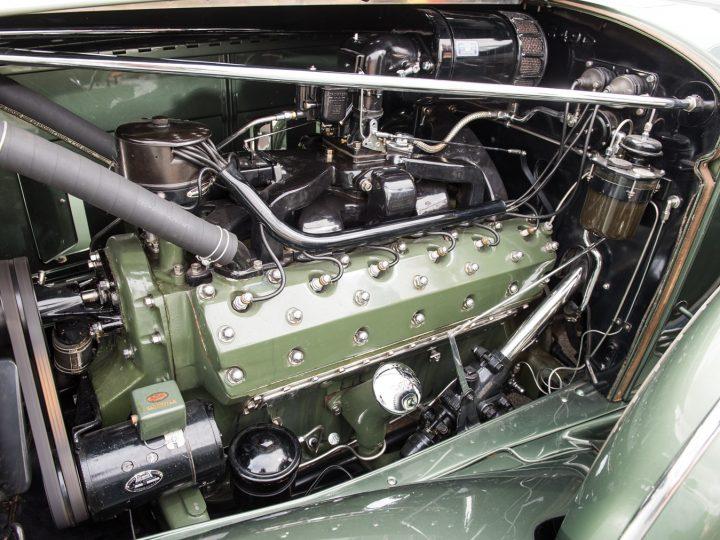 Packard Twelve Coupe Roadster - 1933 25