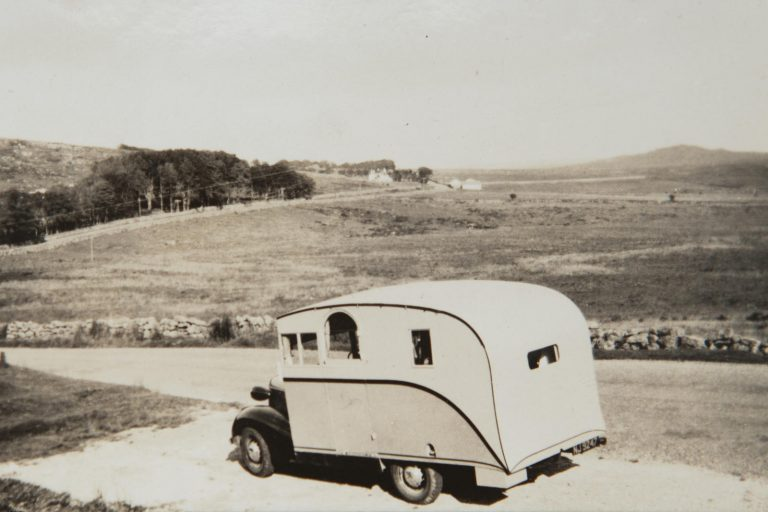 Pontiac Six 4 Litre Motorhome - 1936 24