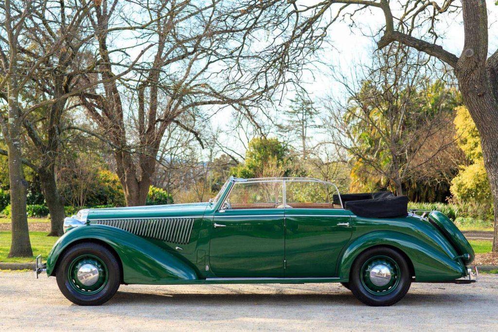 http://www.ruotevecchie.org/wp-content/uploads/2016/12/Lancia-Astura-Series-IV-Cabriolet-1938-2.jpg