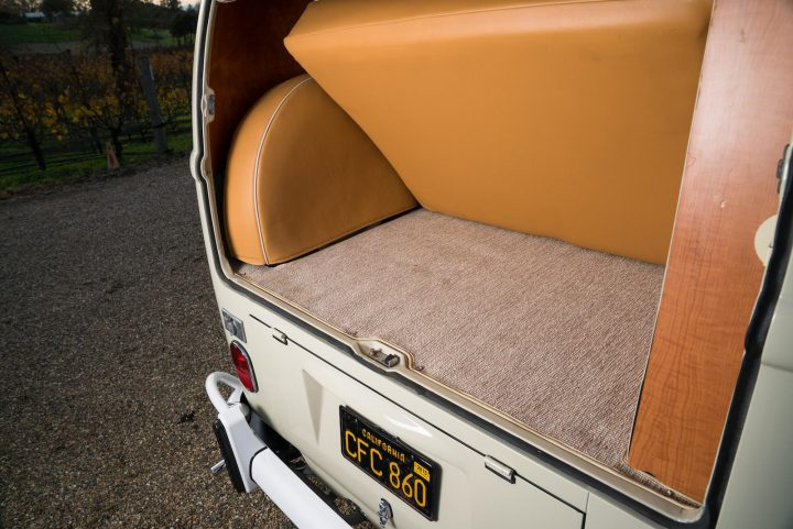 volkswagen-type-2-westfalia-camper-1967-27