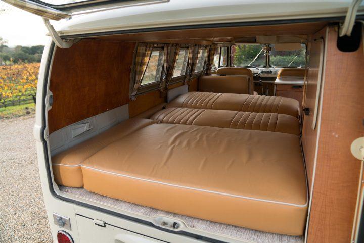 volkswagen-type-2-westfalia-camper-1967-29