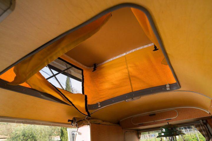 volkswagen-type-2-westfalia-camper-1967-32