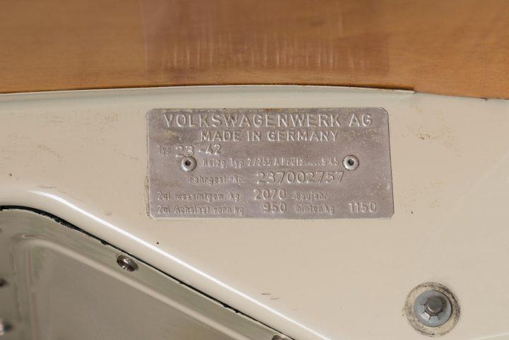 volkswagen-type-2-westfalia-camper-1967-39