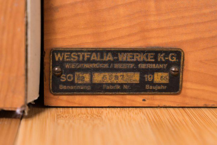 volkswagen-type-2-westfalia-camper-1967-40