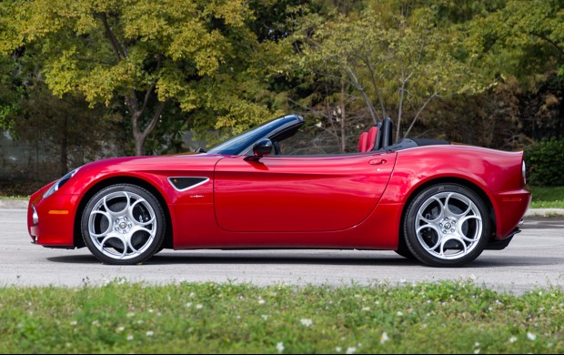 Alfa Romeo 8C Spider - 2009