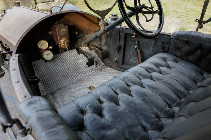 Regal Underslung Model N Runabout - 1910