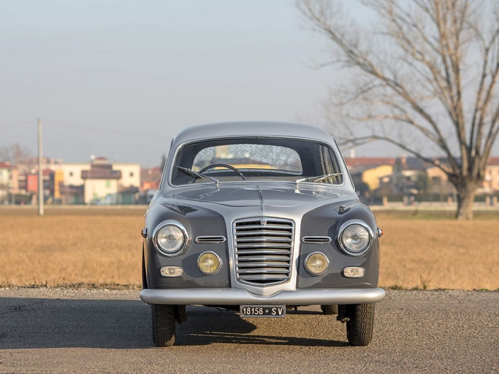 http://www.ruotevecchie.org/wp-content/uploads/2018/02/Lancia-Augusta-coup%C3%A9-1934-4.jpg