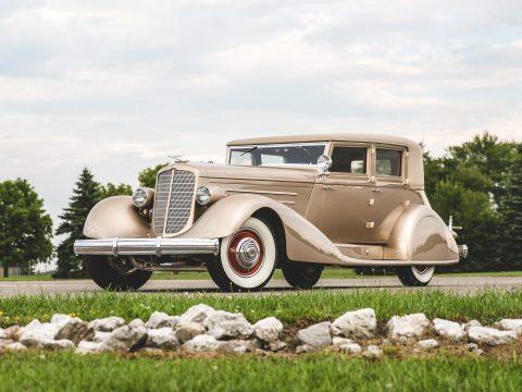 Duesenberg Model J Sedan – 1929