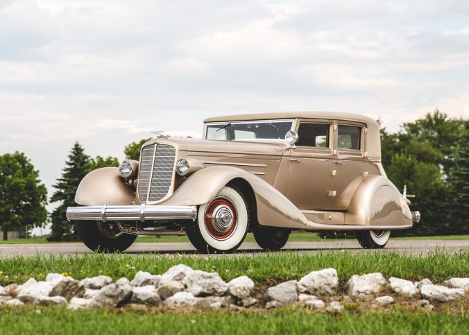 Duesenberg Model J Sedan - 1929